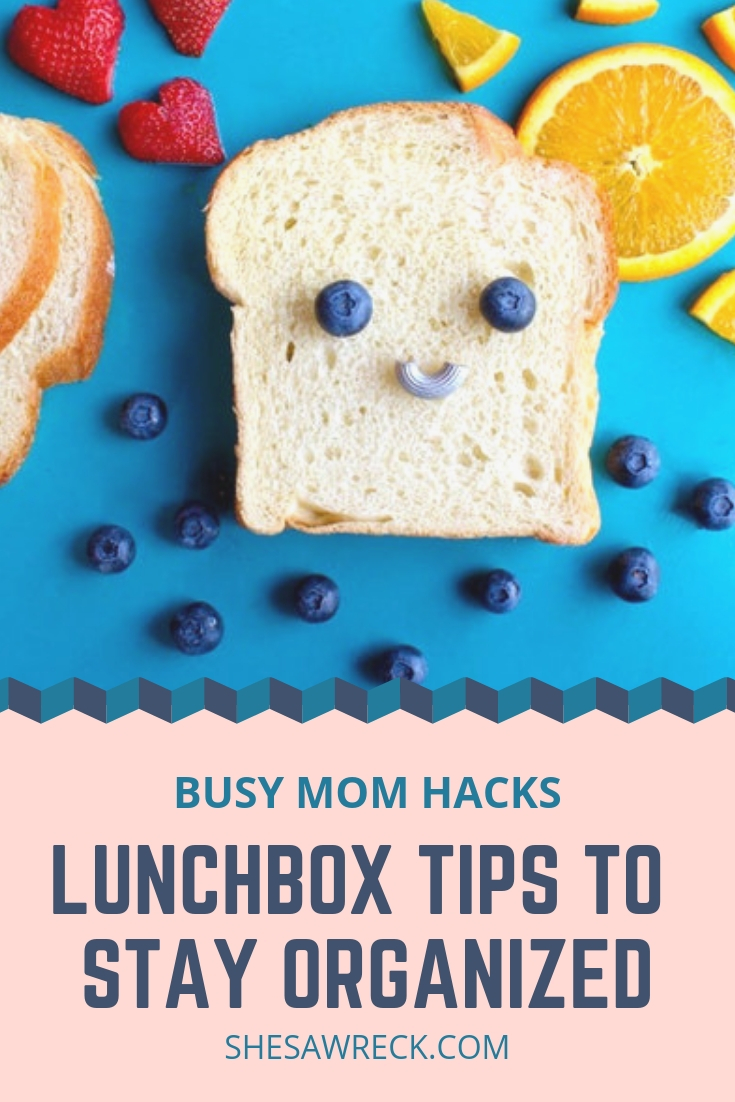Lunchbox organization Tips for the Busy moms. Stay organized this school year with these organization tips and tricks + a free weekly planner. #lunchbox #organized #organizedmom #organizationhacks #tipsformoms #busymomtips #busymomhacks #schoollunch #healthylunchforkids #kidslunch #healthysnacks #healthsnacksforkids #lunchideas
